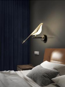 Настенные светильники Twini Berds Lamp